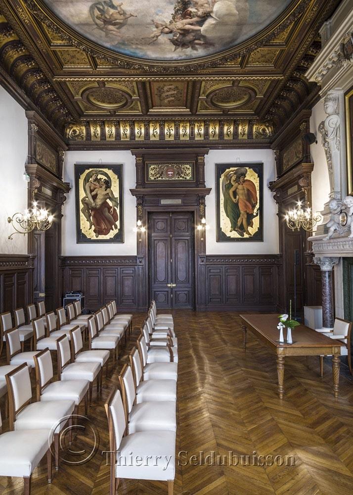 Photo des murs acoustiques colors de la salle des mariages de l'hôtel de ville de Poitiers