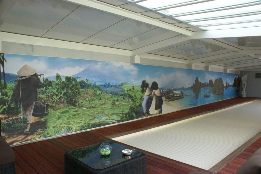 photo d'un mur imprimé avec un montage de photo sur le thème du Vietnam