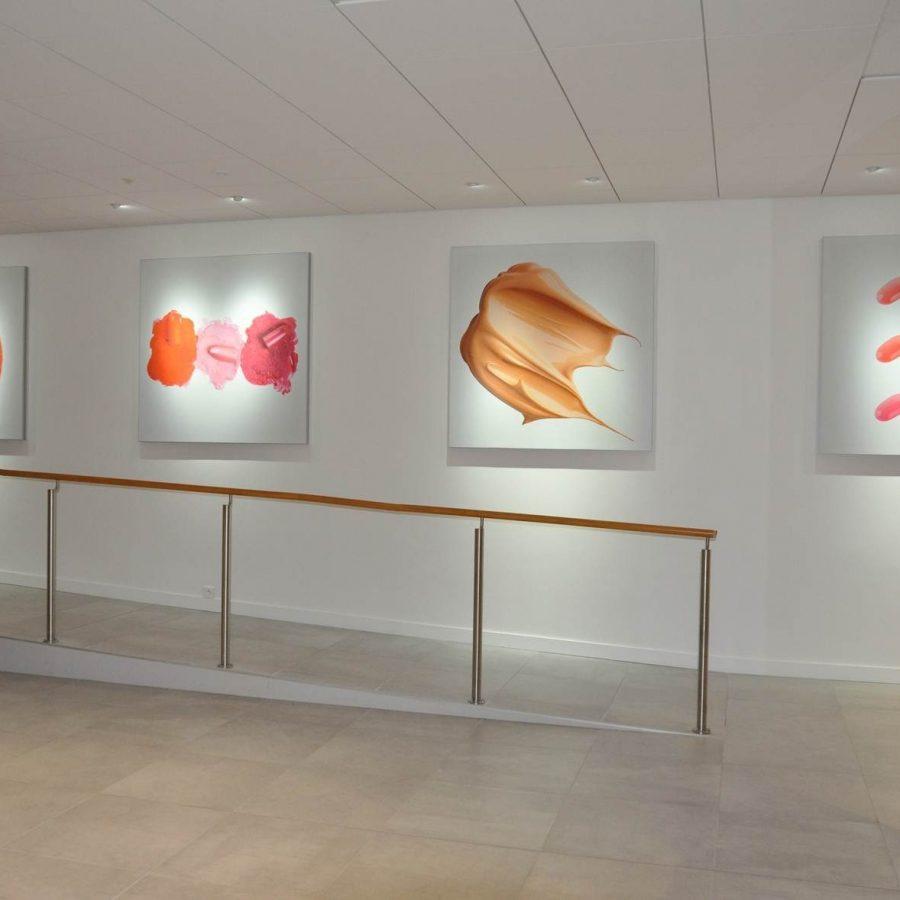 Photo de cadres acoustiques muraux imprimés avec visuels maquillage