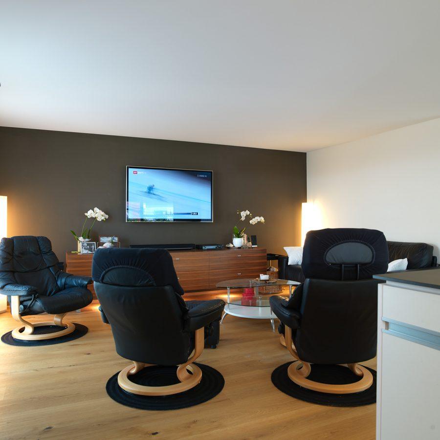 Photo d'un salon avec un plafond tendu à froid blanc